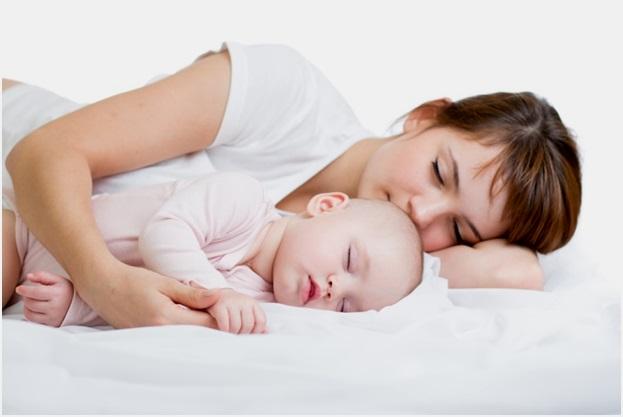 спать с мамой