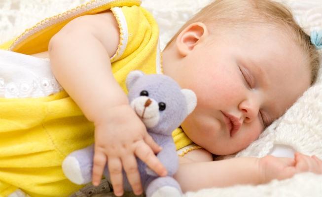 спать с игрушкой