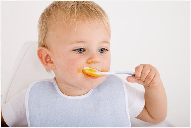 кушать из ложки