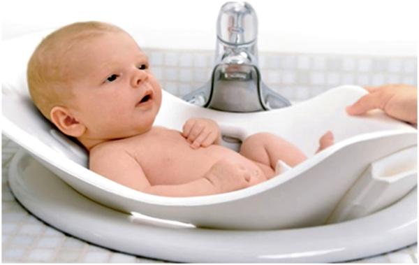 помыть ребенка