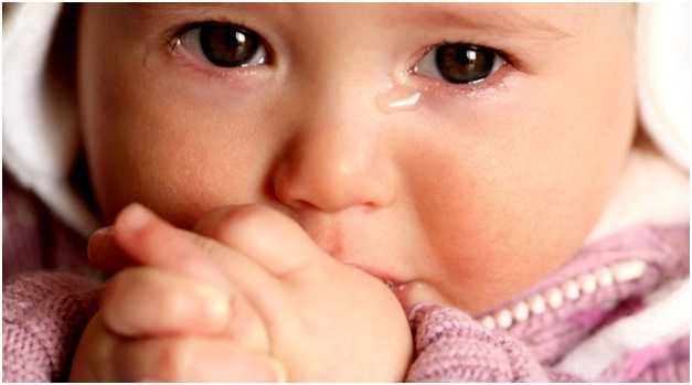 постоянные слезы