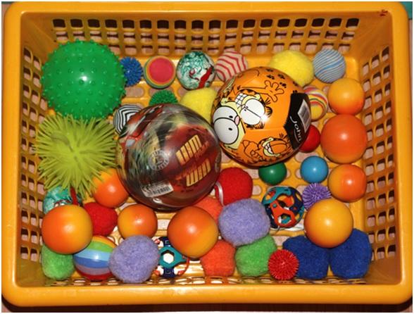 корзина с игрушками