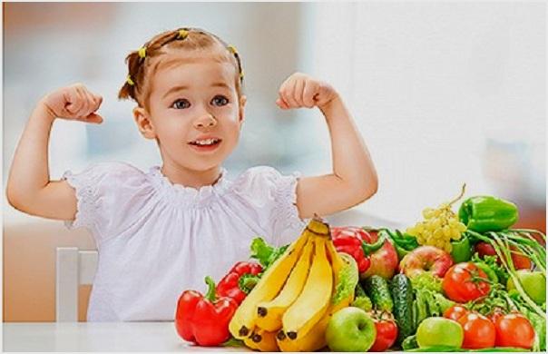 кушать фрукты