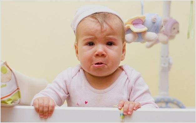 Годовалый ребенок часто ударяется головой