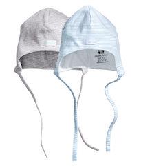 шапочка с завязками