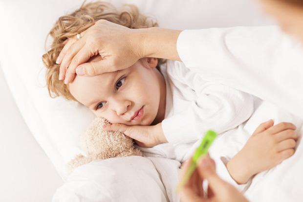 Какую температуру нужно сбивать у ребенка при отите thumbnail